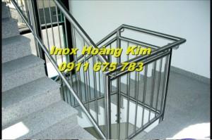 Cầu thang inox mẫu 13