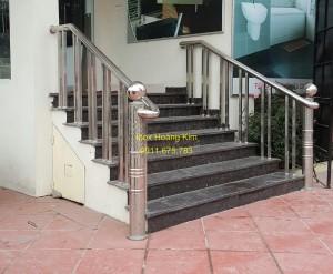 Cầu thang inox mẫu 37