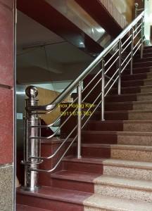 Cầu thang inox mẫu 38