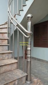 Cầu thang inox mẫu 50