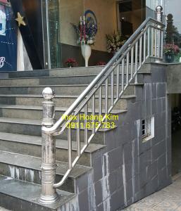 Cầu thang inox mẫu 7