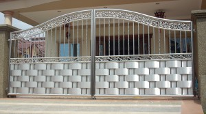 Những ưu điểm khi lựa chọn inox làm cửa hoặc cổng