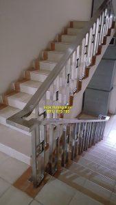 Cầu thang inox mẫu 58