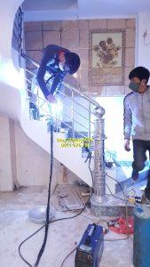 Cầu thang inox mẫu 1