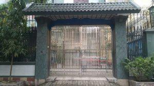 Cổng inox 4 cánh đẹp cho nhà phố và biệt thự