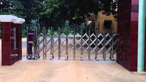 Lợi ích khi lựa chọn sử dụng cổng xếp inox