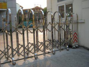 Những ưu điểm vượt trội khi đặt làm cổng xếp inox tại Inox304giare