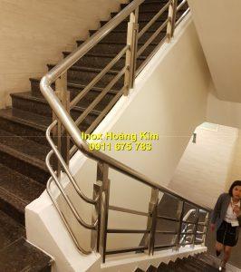 Cầu thang inox mẫu 63