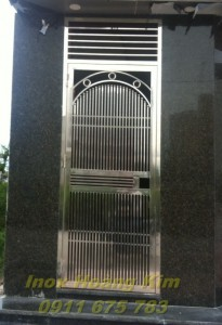 Cổng inox mẫu 2