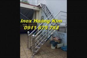 Cầu thang inox mẫu 14