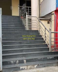 Cầu thang inox mẫu 36