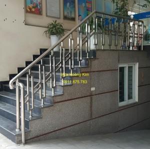 Cầu thang inox mẫu 48