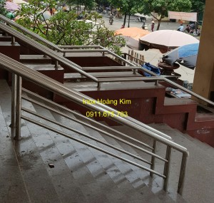 Cầu thang inox mẫu 47