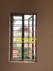Sen hoa cửa sổ inox mẫu 21