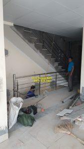 Cầu thang inox mẫu 60
