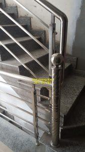 Cầu thang inox mẫu 61