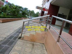 Cầu thang inox mẫu 64