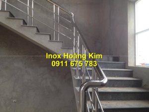 Cầu thang inox mẫu 66