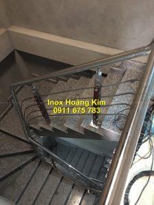 Cầu thang inox mẫu 68