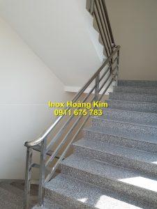Cầu thang inox mẫu 72