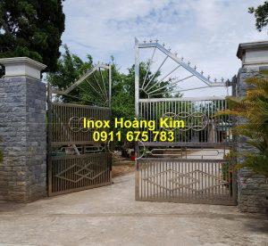 Cổng inox mẫu 223